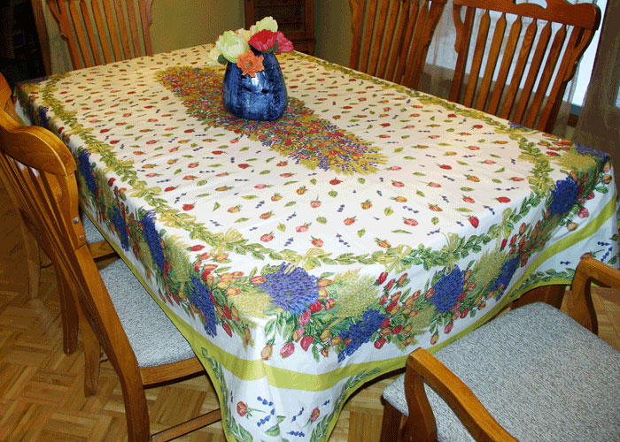 "French Coated Tablecloth Collection ""Roses"""