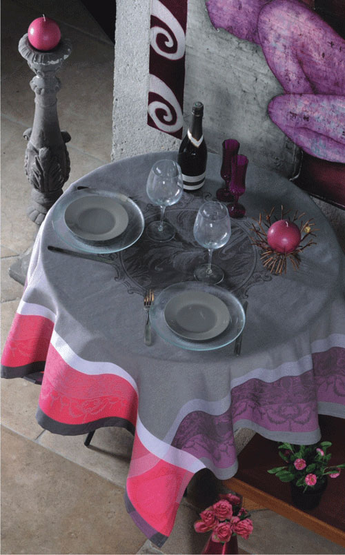 """French Jacquard Tablecloth Collection """"Taupe/Cranberry"""