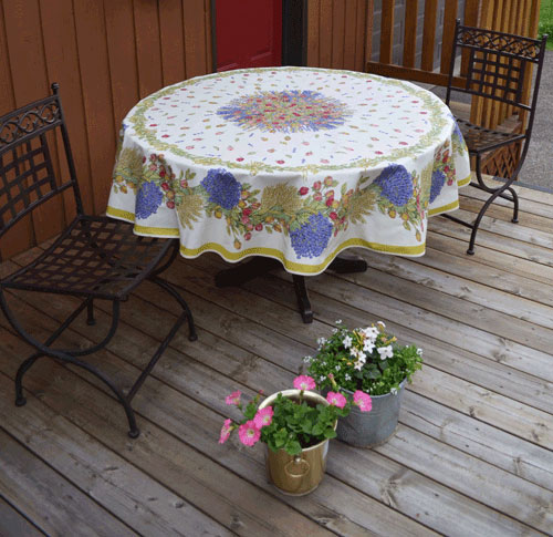 "French Coated Round Tablecloth Collection ""Roses"""